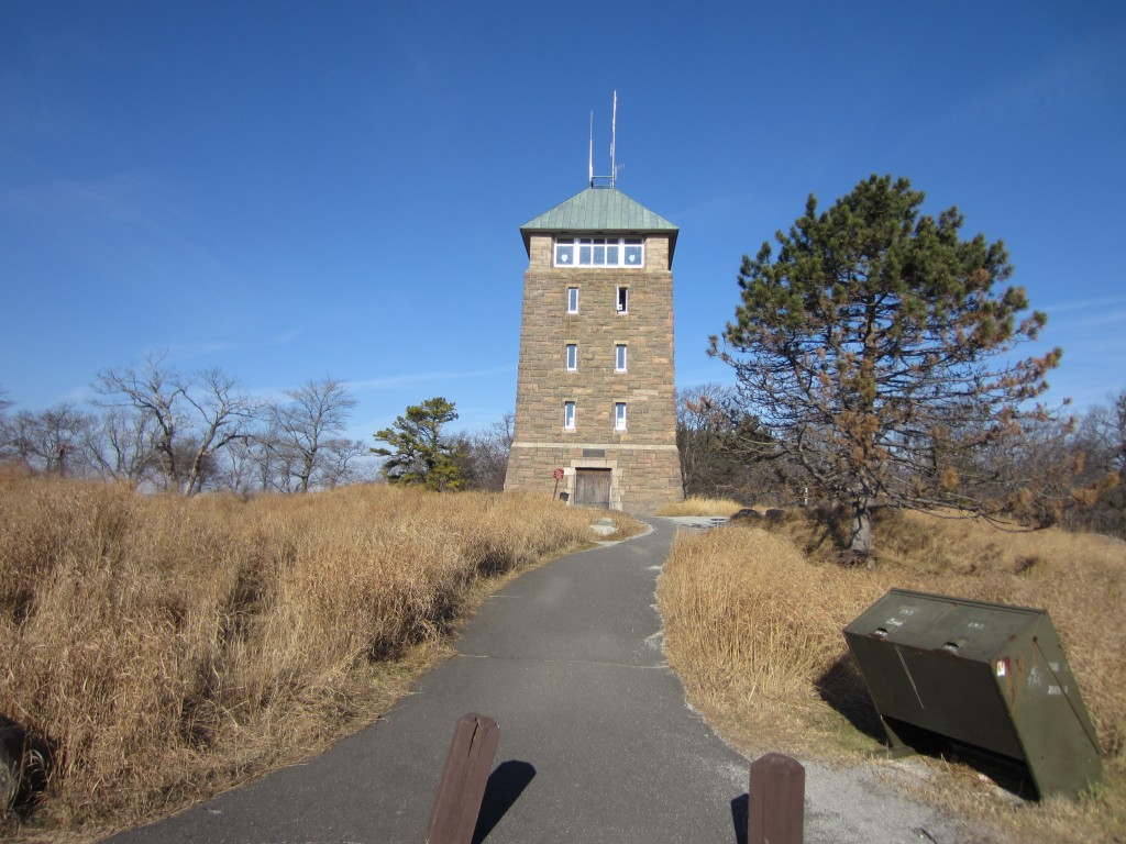 Tower on the summit of Bear Mountain